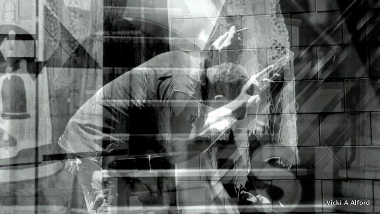 Black & White1-003